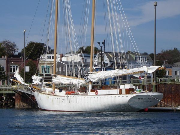 Yachts Like To Sail To Maine, Vacationland