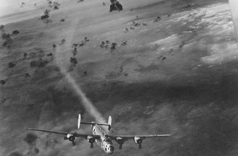 625px-B-24_Flak