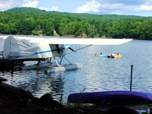 Maine Sea Plane, Pontoons On Lake Aircraft.