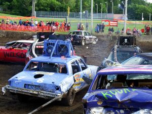 demolition derby cars racing