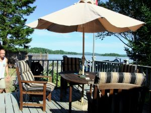 Picnics, Dining Outdoors In Maine