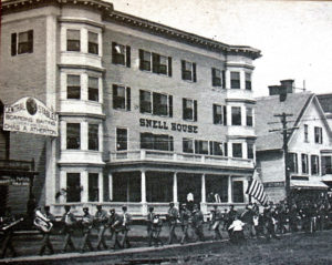 early houlton maine hotels, places to stay.