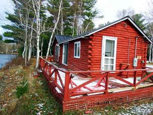 log lake cabin in maine
