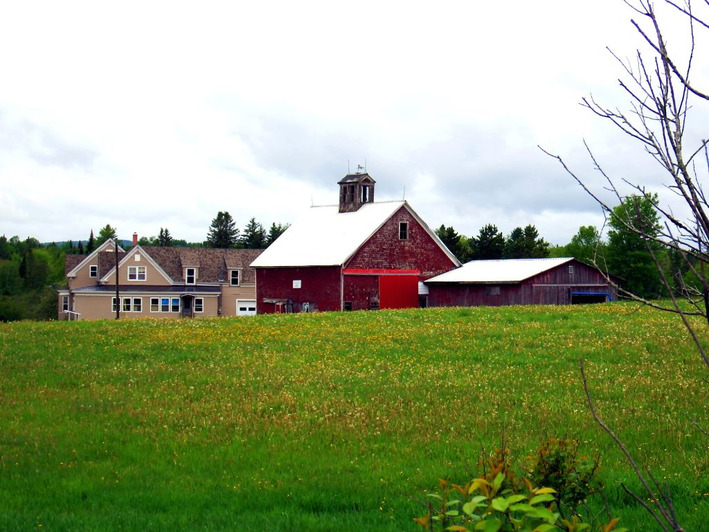maine farm barn properties