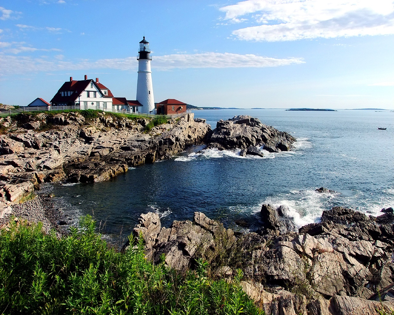 low cost maine lighthouse vacation